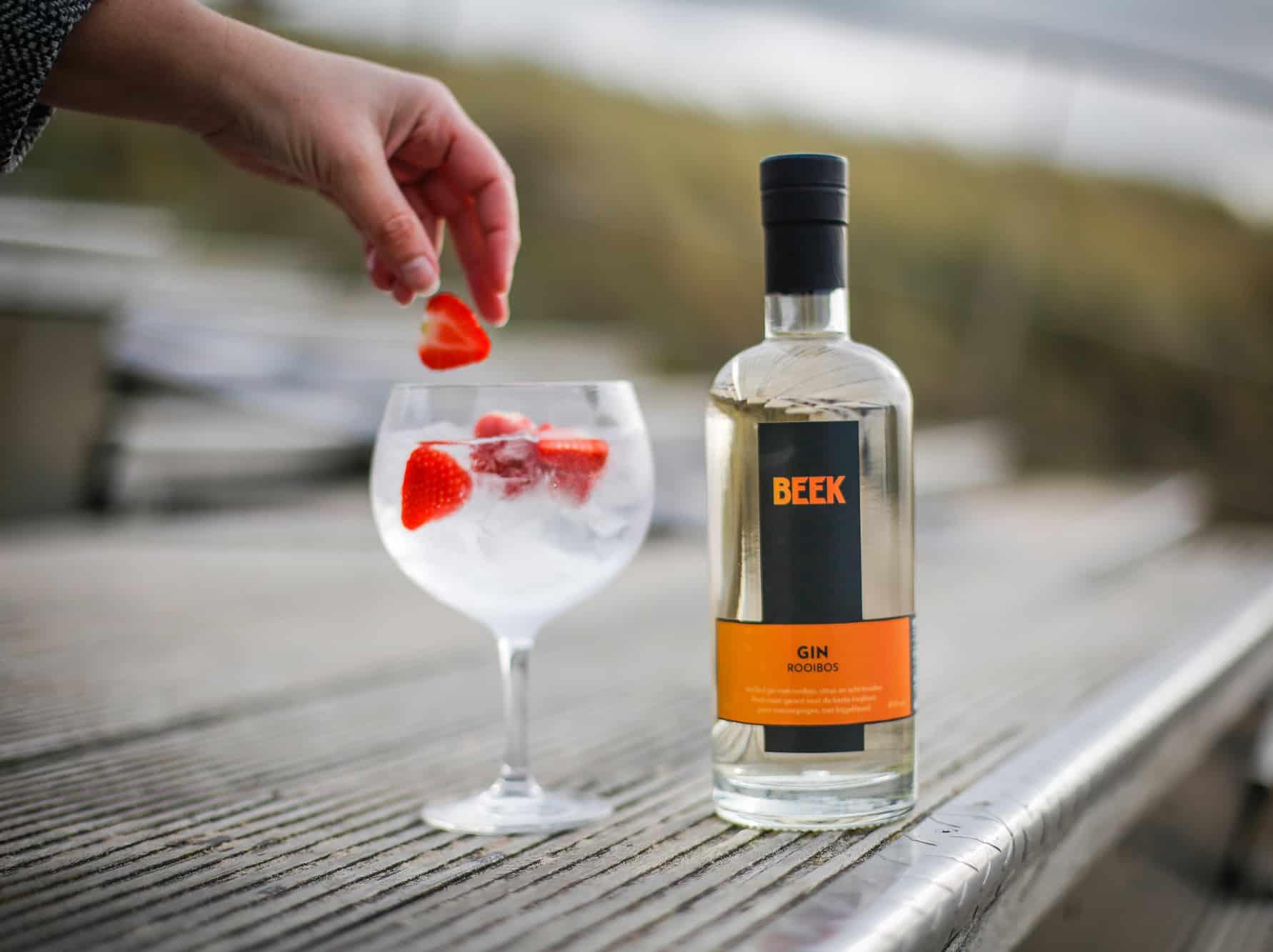 BEEK Gin & Tonic met aardbei door Jesse Reij